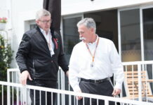 Ross Brawn, Chase Carey. 29.04.2018. Formula 1 World Championship, Rd 4, Azerbaijan Grand Prix, Baku Street Circuit, Azerbaijan, Race Day. - www.automotorsport.az, EMail: info@automotorsport.az - copy of publication required for printed pictures. Every used picture is fee-liable. © Copyright: automotorsport.az