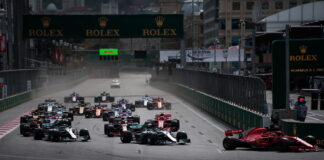 Race start. 29.04.2018. Formula 1 World Championship, Rd 4, Azerbaijan Grand Prix, Baku Street Circuit, Azerbaijan, Race Day. - www.automotorsport.az, EMail: info@automotorsport.az - copy of publication required for printed pictures. Every used picture is fee-liable. © Copyright: automotorsport.az