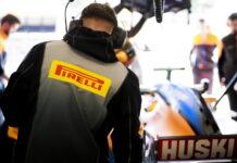 Pirelli enginner during the Barcelona February testing