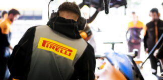 Pirelli enginner during the Barcelona February testing