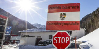 border between Austria and Italy at Brenner