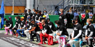 F1 drivers take a knee