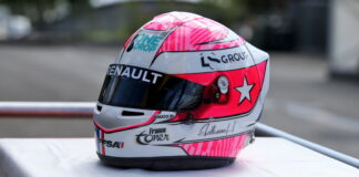 Renault F1 Team pay tribute to Anthoine Hubert by placing his helmet