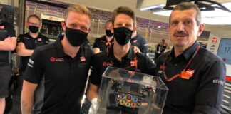 Kevin Magnussen, Romain Grosjean and Guenther Steiner