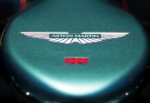 Aston Martin badge on the nose of the Aston Martin AMR21